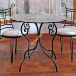 Кованые столы и стулья